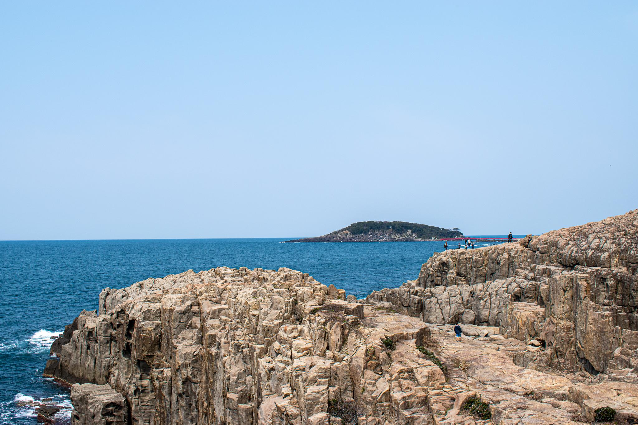 世界からも注目される断崖絶壁!福井県の東尋坊への行き方