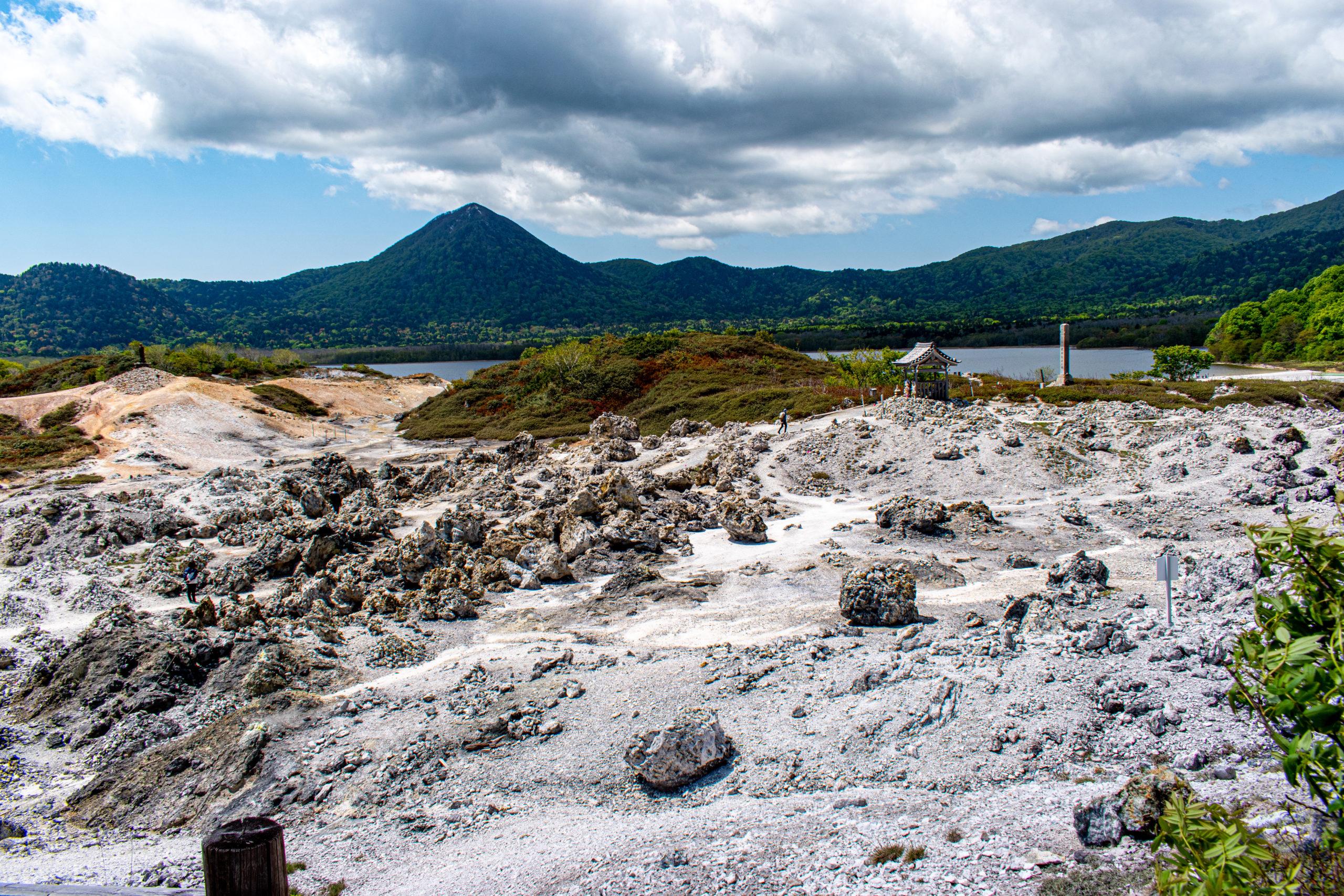 まさに地獄に来たような場所!青森県の恐山への行き方